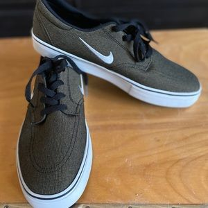 Nike loafers